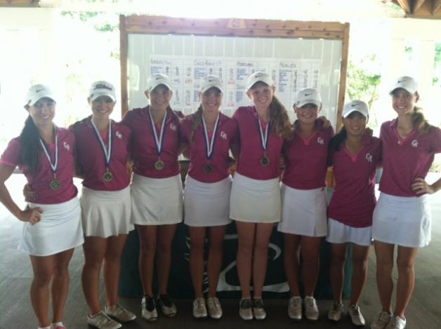 Girls Win at Eagle Pointe GC on October 14-15, 2013 with a 299-303!!
