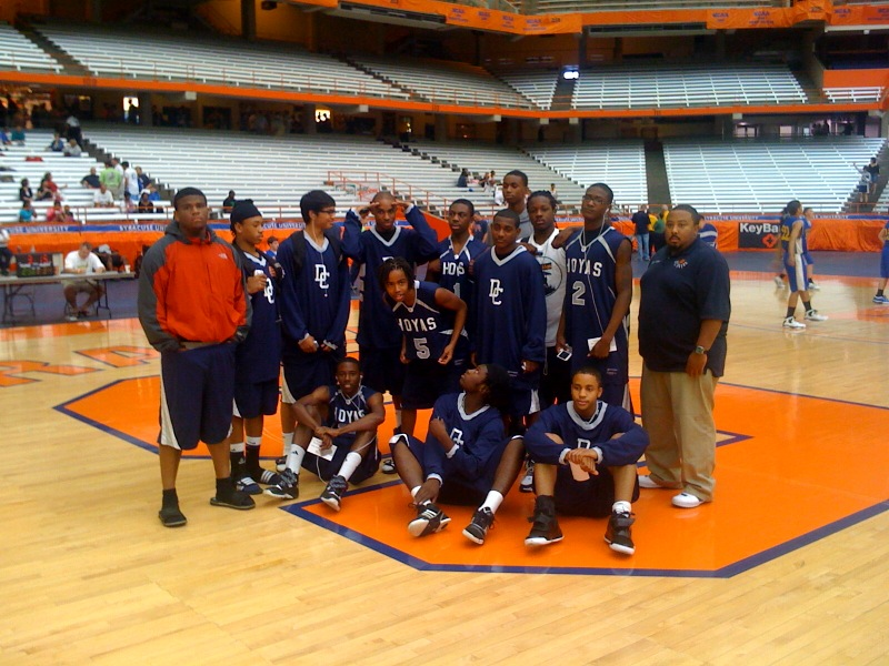 TEAM PICTURE ON THE UNIV FLOOR.