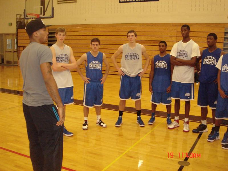 MVP NBA PLAYER DERRICK ROSE - Talking to Episcopal Boy's