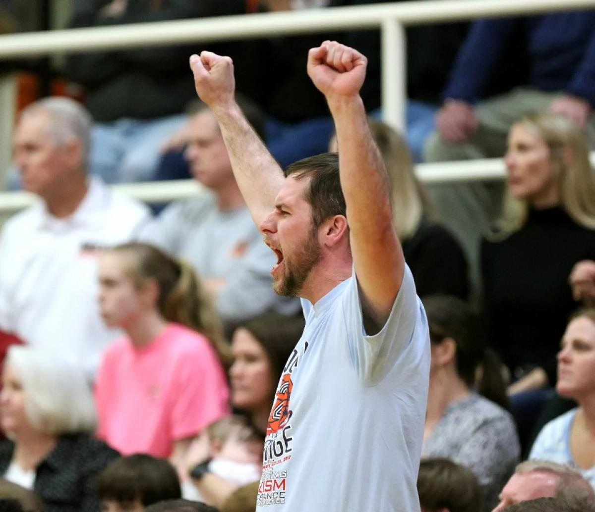 Class 7A South Roundup: McGill-Toolen boys, girls reach regional final again