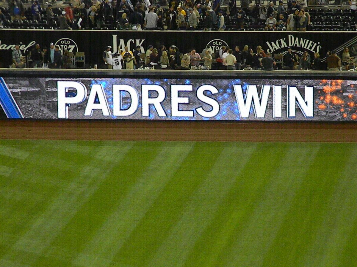 PADRES GET FIRST WIN, 7-2